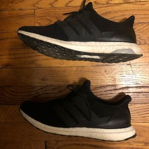 Men's Adidas Ultra Boost Sneakers size 12